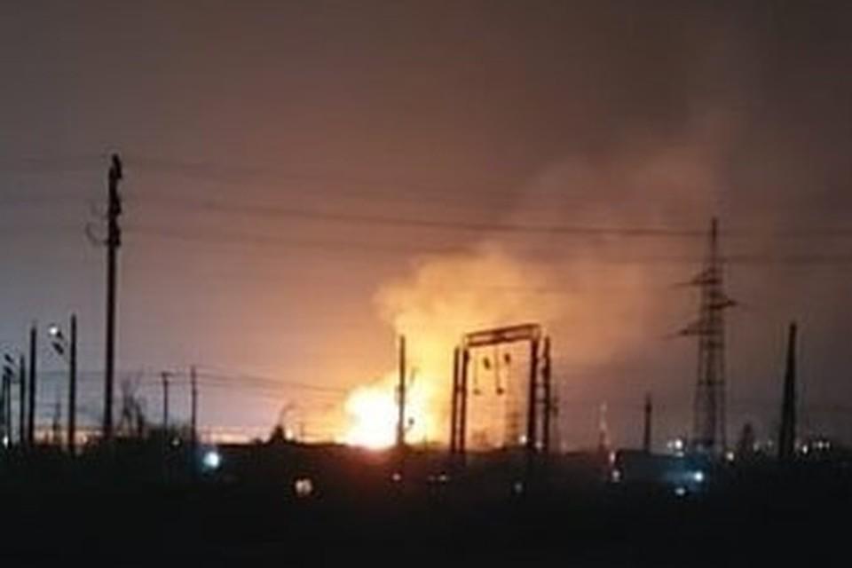 Пожар произошел в неэксплуатируемом здании в поселке Угловое 19 февраля. Фото: instagram.com/artem.news.plus