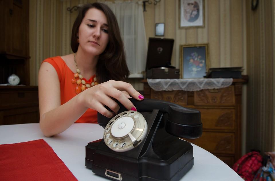 В телефонный эфир можно было попасть... правильно, при помощи обычного телефона.