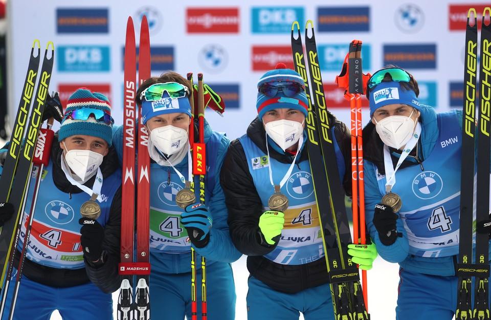 Сборная России выиграла первую медаль на чемпионате мира по биатлону.