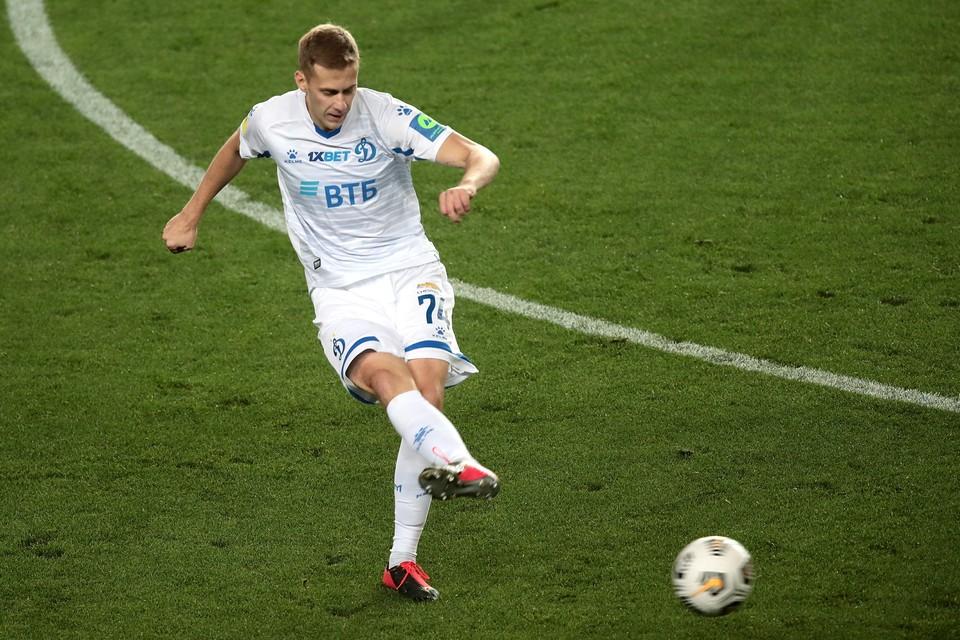 Даниил Фомин забил первый гол в матче.