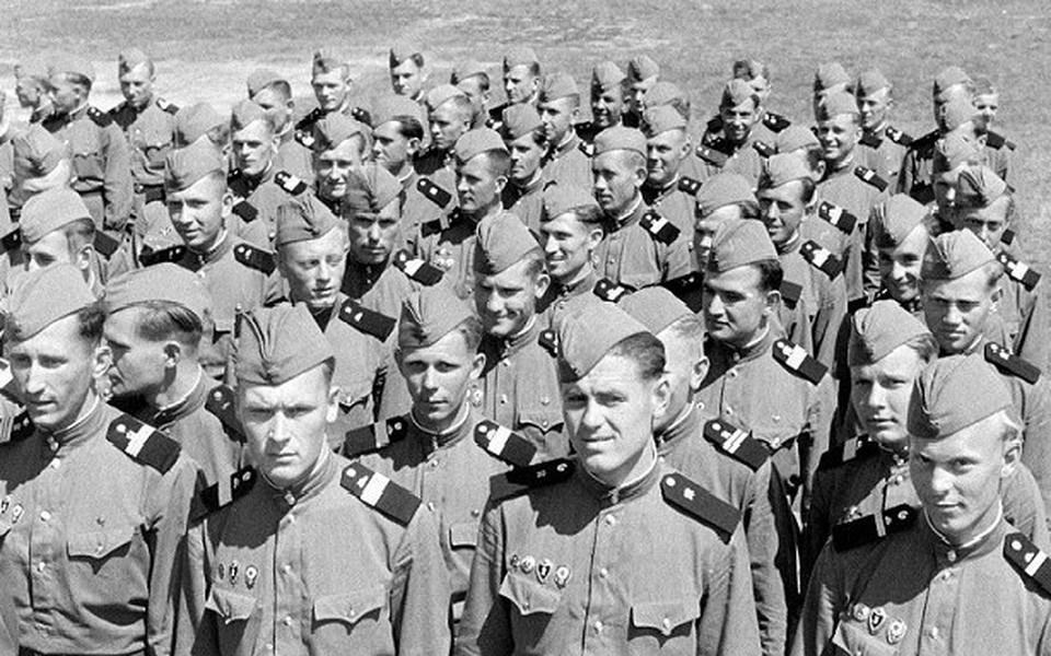 В Советской армии служить было почетно (Фото: Русская семерка).