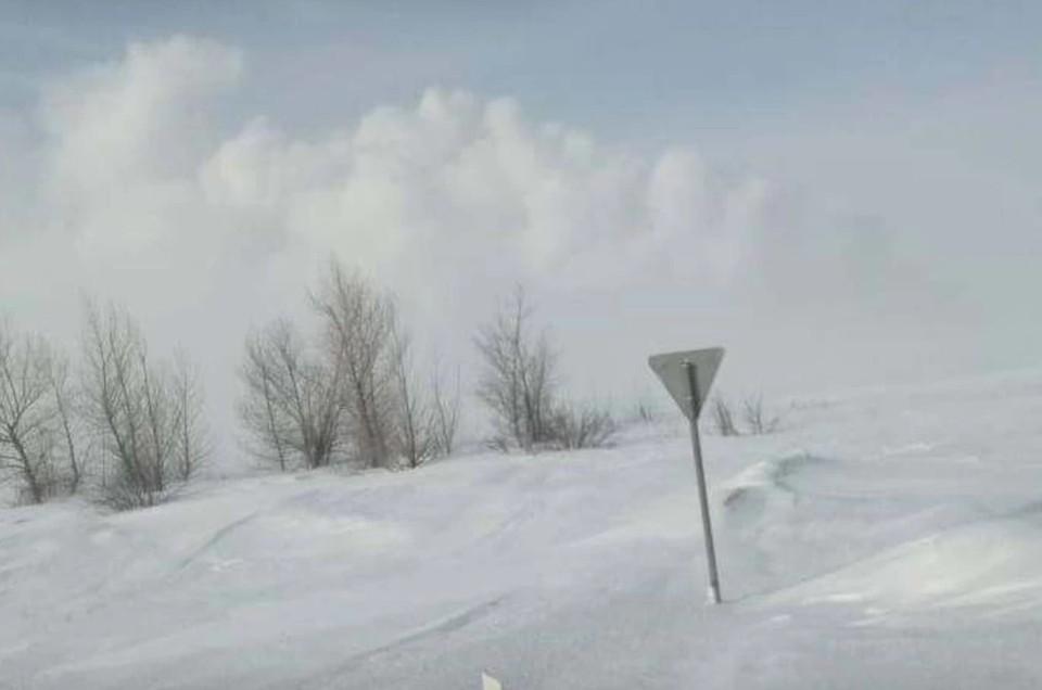 Видео с места взрыва на газопроводе в Оренбургской области сняли очевидцы. Фото: МЧС Оренбурга.