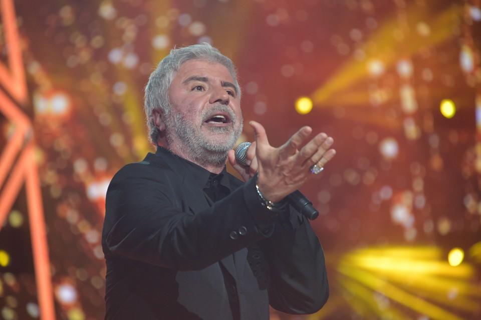 Любвеобильный Сосо Павлиашвили на концерте в Петербурге целовал женщинам руки