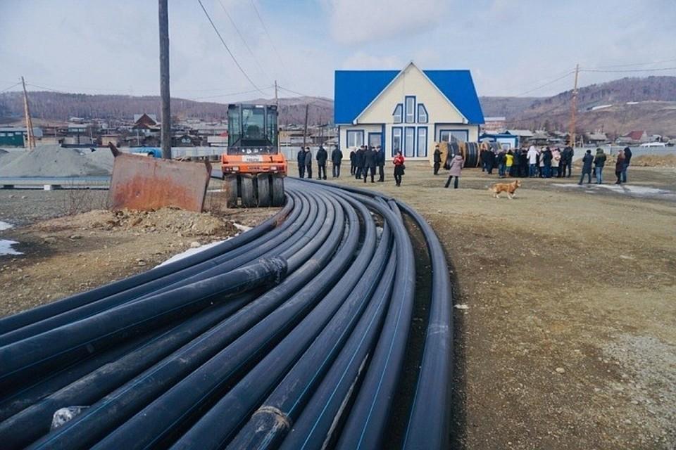 Завод по розливу байкальской воды в Култуке окончательно снесли. А вот эту траншеи, где трубы, больше нет.