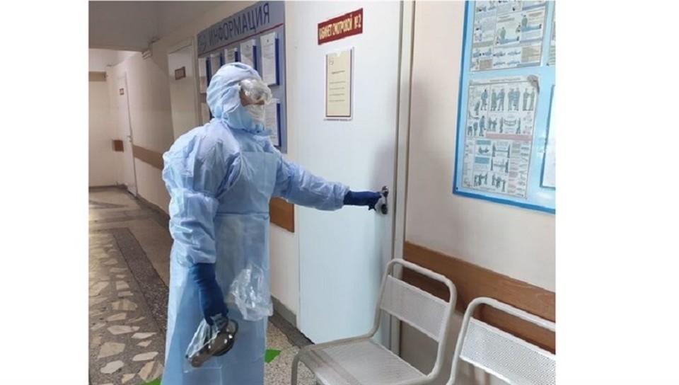 В коечном фонде, развернутом для лечения зараженных коронавирусом пациентов, свободно 34,4 % мест.
