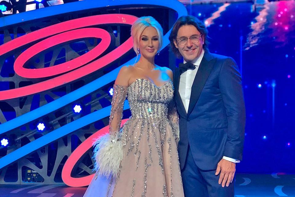 Андрей Малахов и Лера Кудрявцева каждую неделю выдают эксклюзивные интервью со звездами в своих телешоу