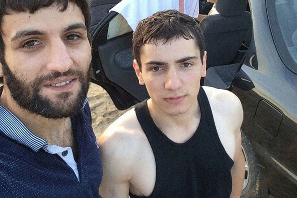 Эти молодые люди не имеют никакого отношения к массовому убийству в Кудьме, однако их фотографию растиражировали в интернете.