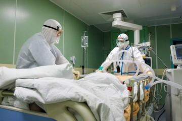 В Смольном объяснили, чем грозит Санкт-Петербургу подъем заболеваемости коронавирусом на 426 %