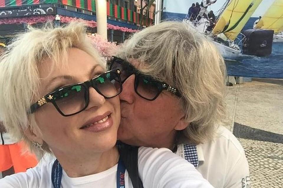«Он шесть лет не поздравлял меня с днем рождения»: сын Валентины Легкоступовой рассказал об отце, который после смерти певицы подал на раздел имущества