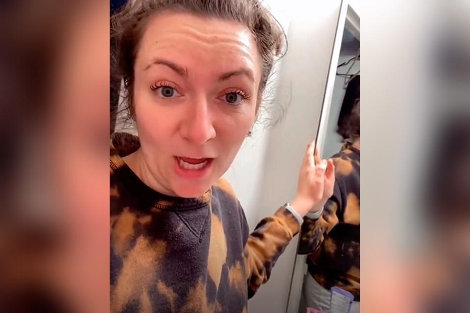 Проверьте свои ванные: За зеркалом девушка нашла проход в секретную квартиру