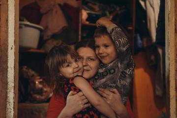 Сильным женщинам тоже нужна помощь: Как матери борются за своих детей