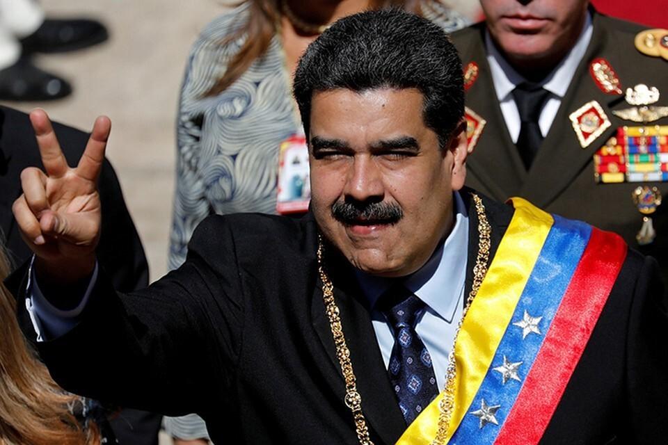 Президент Венесуэлы Николас Мадуро привился вакциной «Спутник V»