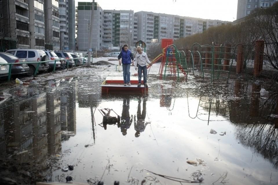 В Новосибирске около 200 придомовых территорий может затопить талыми водами.
