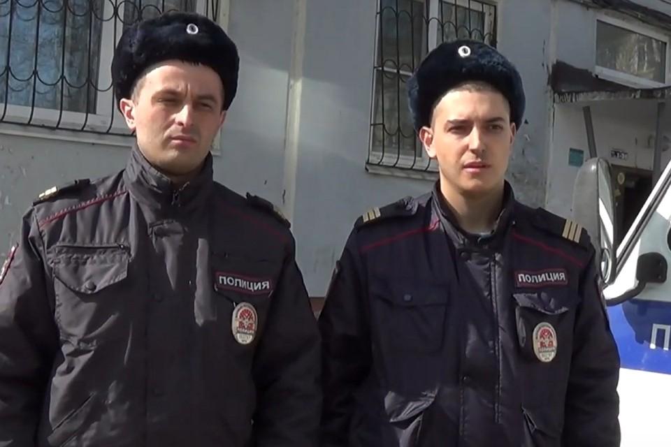 Артур Кожарский (слева) и Владислав Шалин вовремя приехали на помощь.