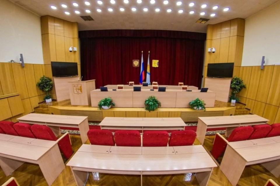 Мартовская сессия прошла в очном формате. Фото: zsko.ru