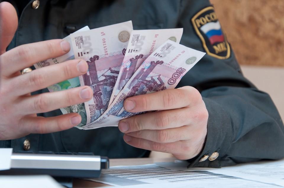 Против жителя Удмуртии возбудили уголовное дело за попытку дачи взятки инспектору ДПС