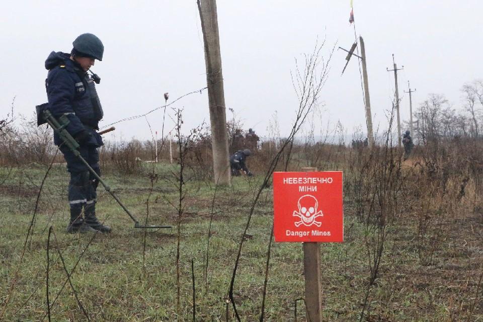 Киев вновь пытается выдать подрыв своих военнослужащих на минах за последствия обстрела. Фото: штаб «ООС»