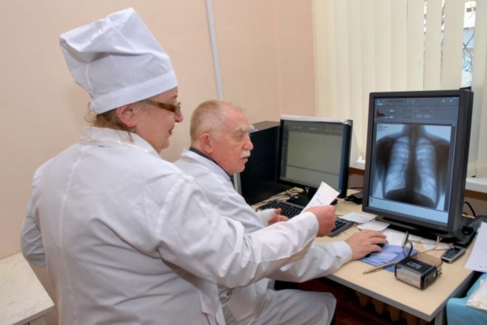 Основным методом раннего выявления туберкулеза среди взрослого населения остается флюорографическое обследование.