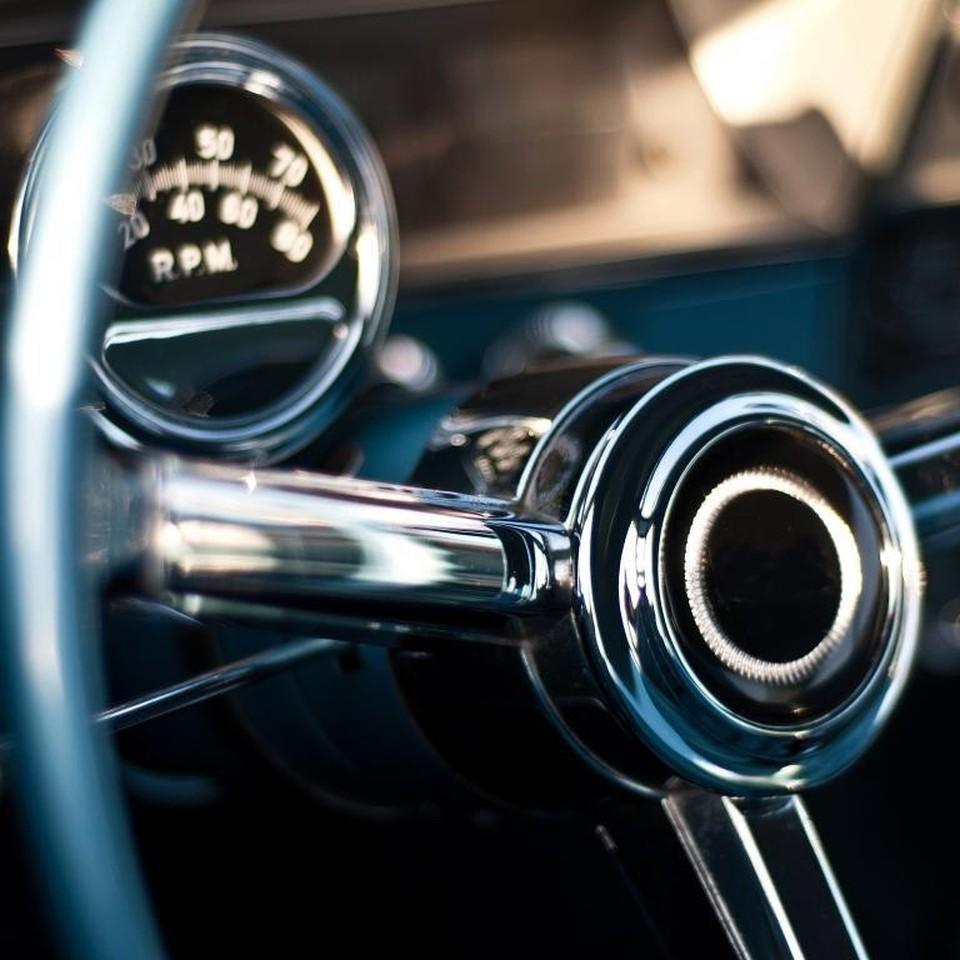 24% водителей возят в своем автомобиле талисманы и сувениры на удачу.