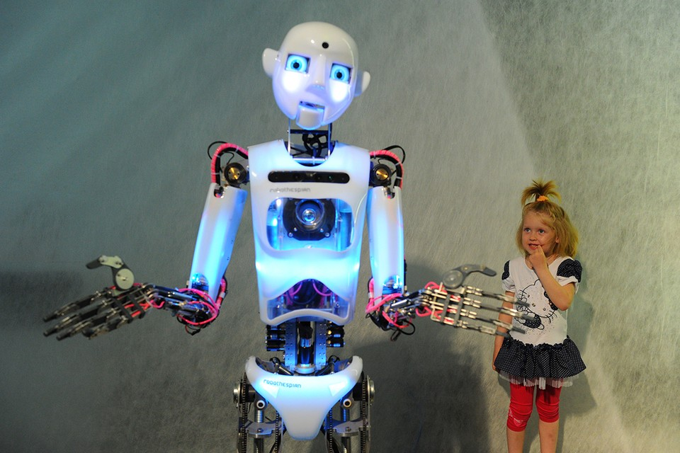Дети относятся к роботам иначе, чем взрослые