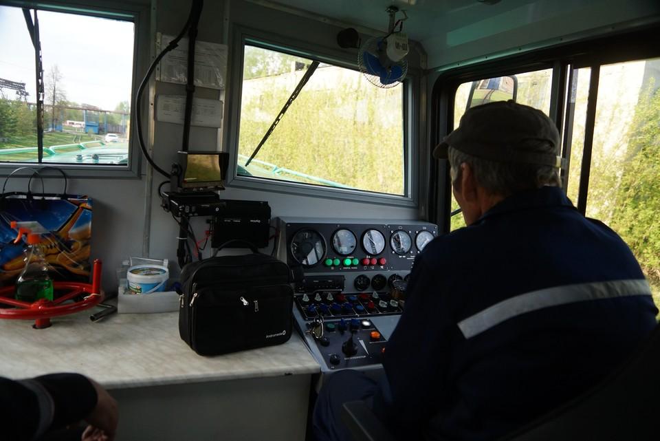 В районе остановочной платформы «748 километр» машинист наехал на 15-летнего подростка, который от полученных травм скончался на месте происшествия.