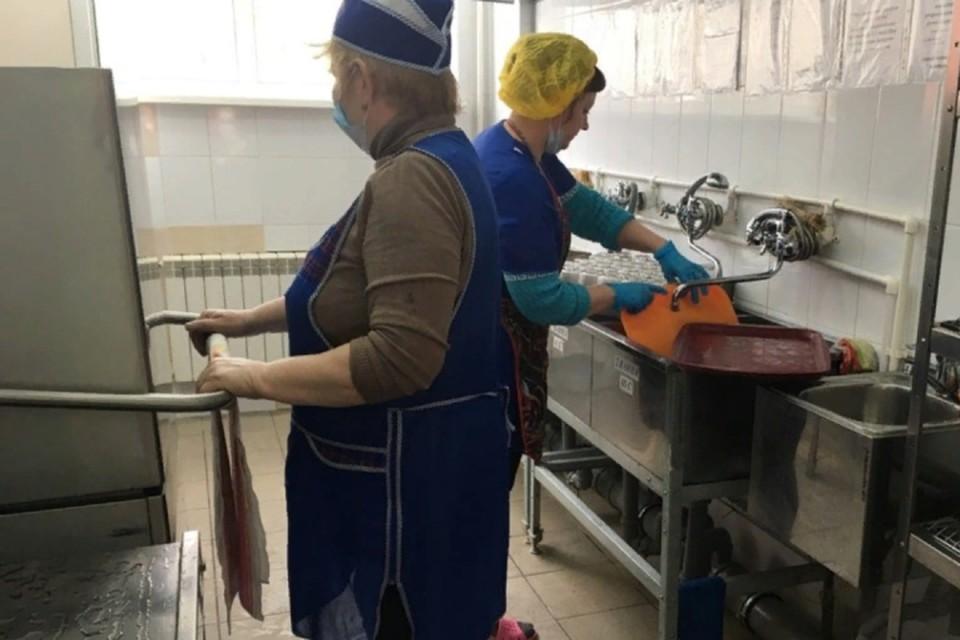 Проверки пищеблоков в кировских школах будут продолжаться. Фото: vk.com/kirovoficial