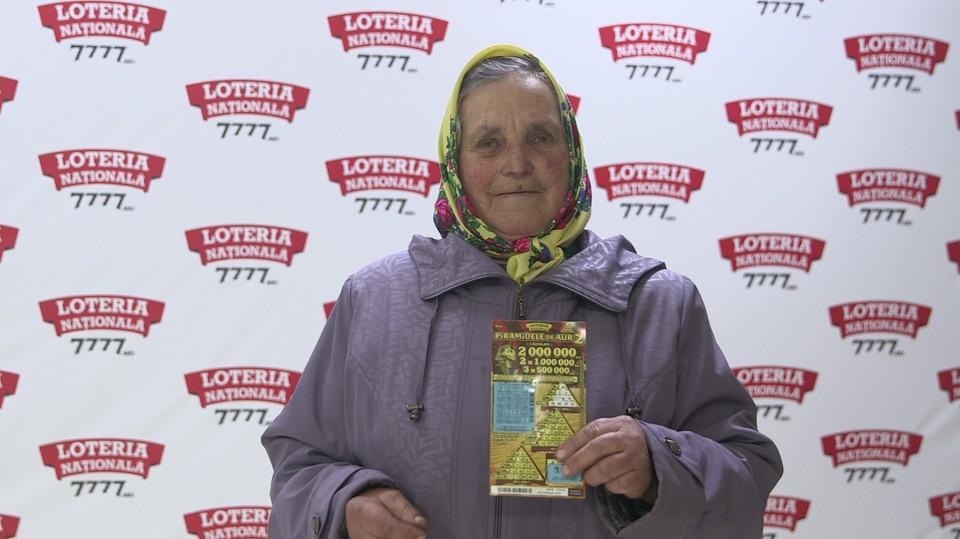 В свои 72 года пенсионерка выиграла впечатляющую сумму в 500 000 леев благодаря билету «Золотые пирамиды 2».