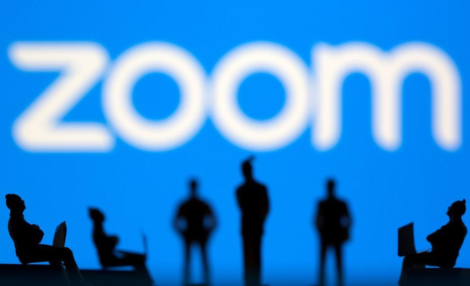 """Минпросвещения напомнило, что в российском образовании есть аналогичная Zoom система """"Сферум"""""""