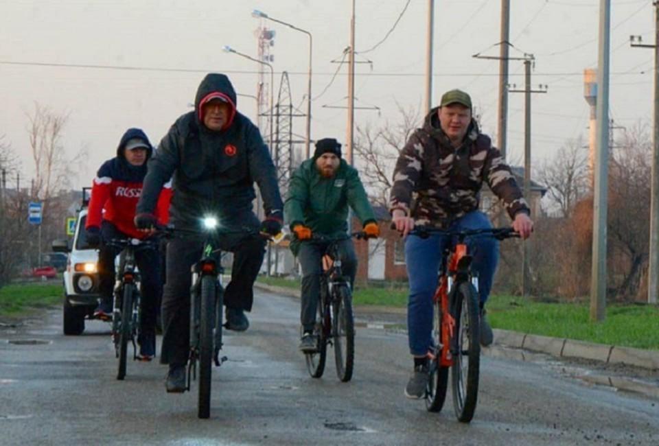 Так Сергей Голобородько возглавляет свою велокоманду каждый понедельник.