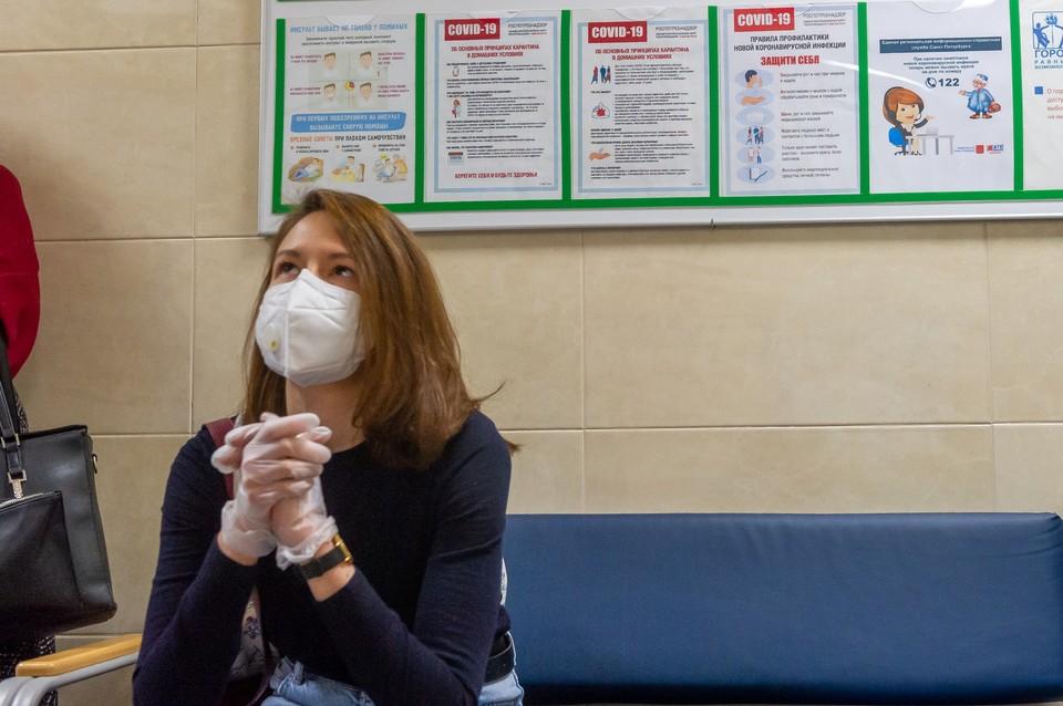 Первая партия новой вакцины должна поступить в Петербург до конца недели.