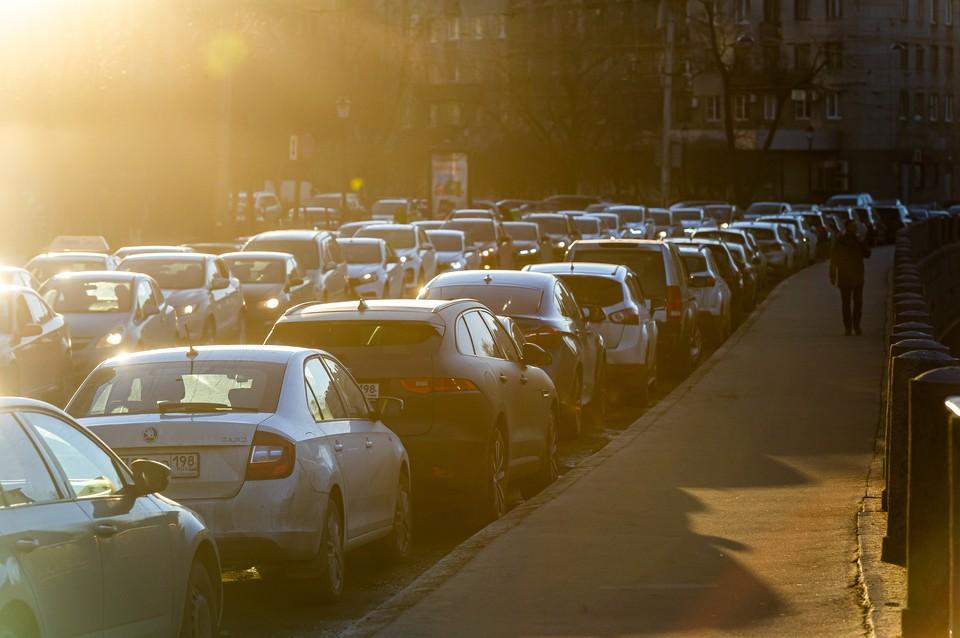 В Петербурге открылся международный автосалон