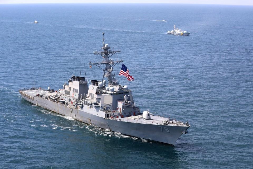 """США собираются направить корабли в Черное море на фоне """"роста активности"""" РФ."""