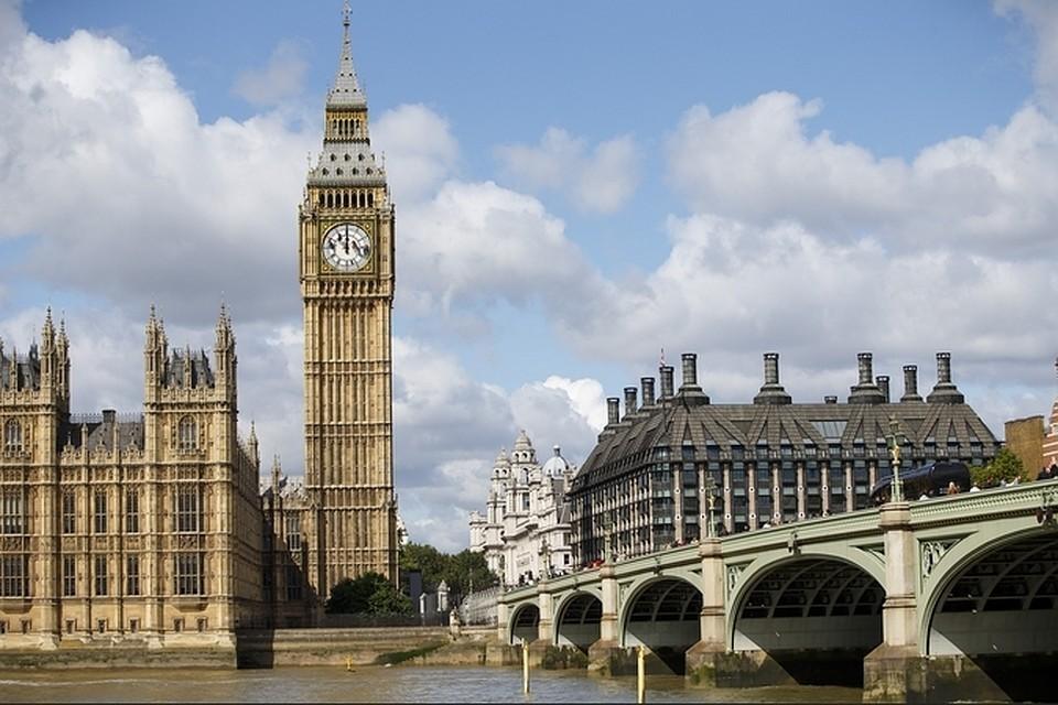 Британия собирается определиться с возобновлением зарубежных поездок в мае 2021
