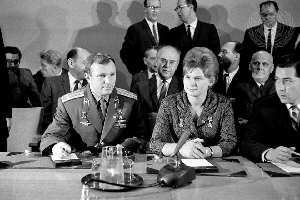В рамках российской инициативы среди прочего будет рассказано о пресс-конференции советских космонавтов Юрия Гагарина и Валентины Терешковой в штаб-квартире ООН