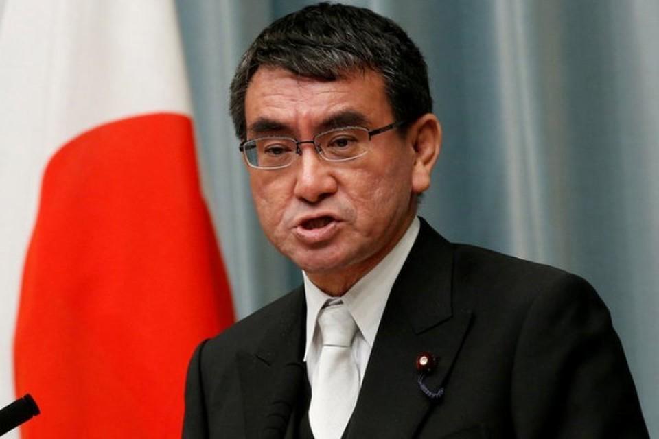 Министр по делам Окинавы и «северных территорий» Японии Таро Коно