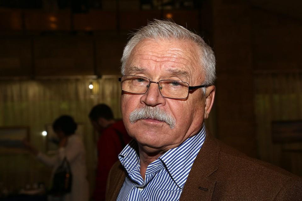 Актер и режиссер Сергей Никоненко, на днях отметивший 80-летие, в свое время создал в районе Арбата Есенинский культурный центр. И стал его директором.