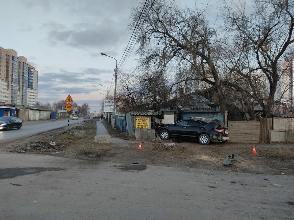Омич влетел в забор частного дома. Фото: пресс-служба Госавтоинспекция Омской области