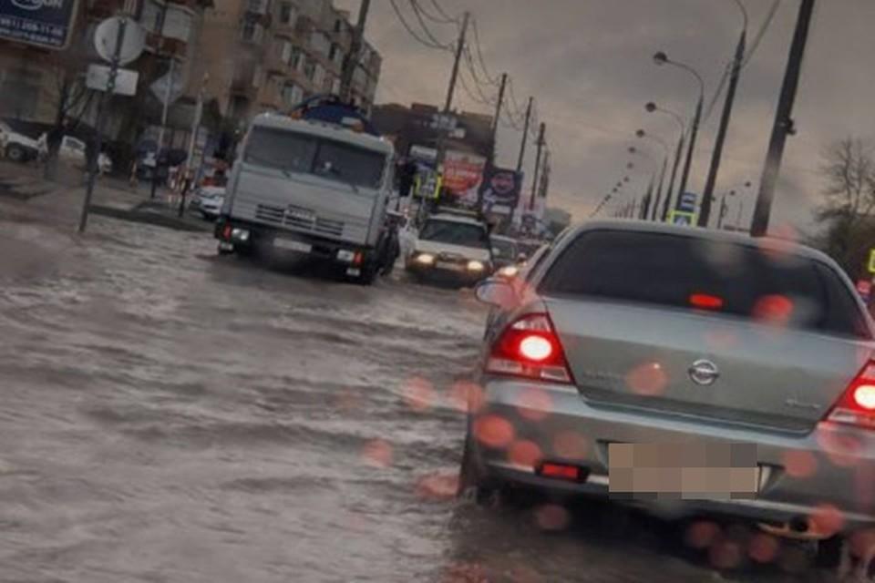 Дороги подтопило в Музыкальном районе. Фото: Артем Гнатенко