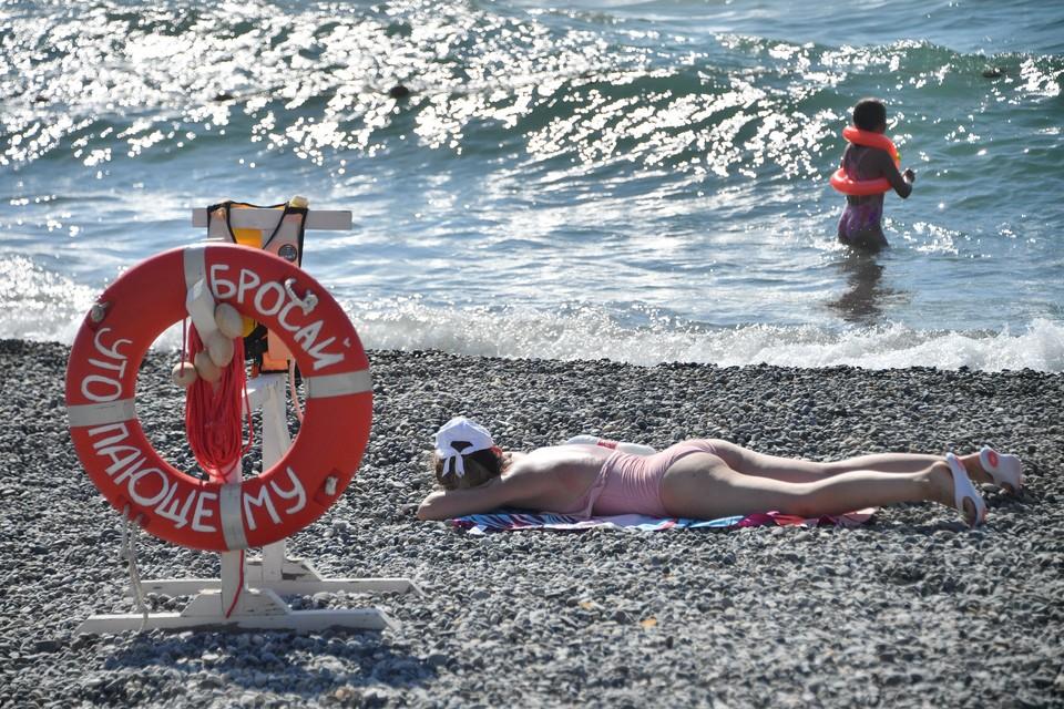 Омичи вынуждены откладывать отдых или ехать вместо Турции на российские курорты.