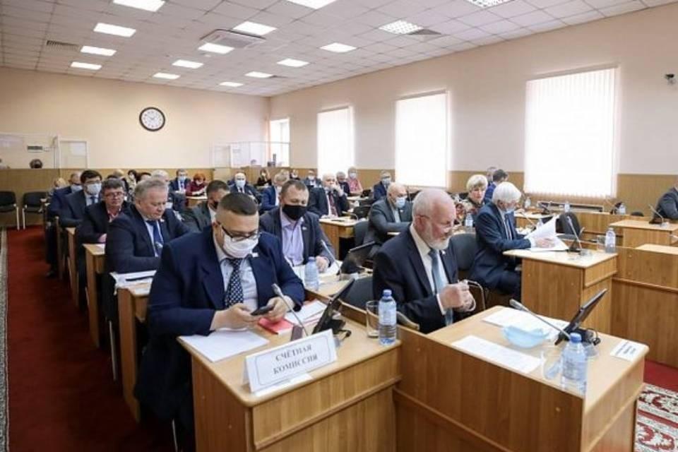 Депутаты отчитались о доходах за 2020 год. Фото: Мурманская областная Дума