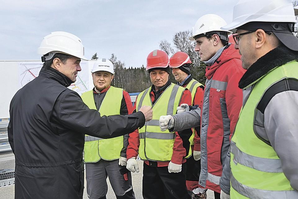 Развязку в Солнечногорске строители сдадут этим летом. Фото: Денис ТРУДНИКОВ
