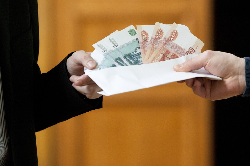 Названа среднемесячная зарплата работников культуры Хабаровского края