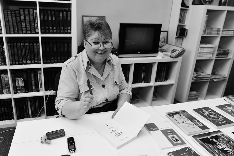 Свою жизнь она посвятила сохранению саамского культурного наследия, написала более чем 40 исследовательских и художественных книг, снимала тематические фильмы, была членом Союза писателей России.