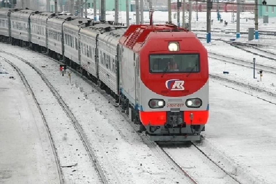 Сибиряк погиб пол колесами поезда в Кузбассе.
