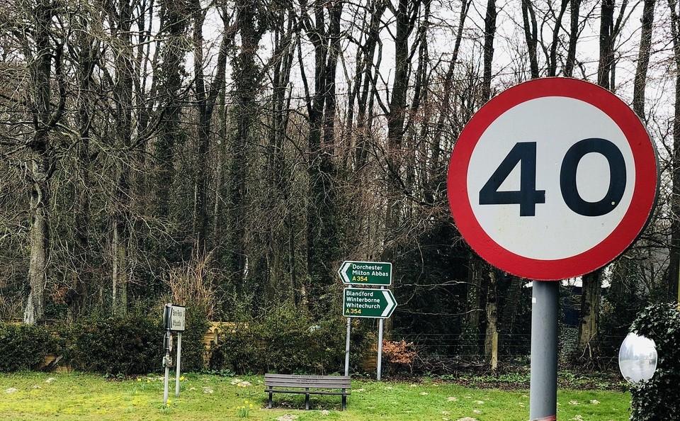 Для повышения безопасности в жилых районах столицы планируют ограничить скорость для автомобилей на 40 км/ч