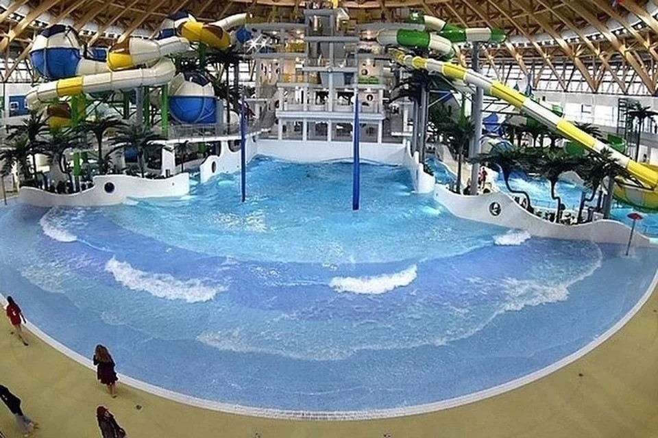 В Новосибирске направили в суд дело в отношении инструктора после смерти 16-летнего подростка в аквапарке.