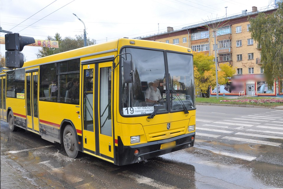 19, 26 и 28 автобусы изменят свои маршруты на время проведения репетиций Парада Победы в Ижевске