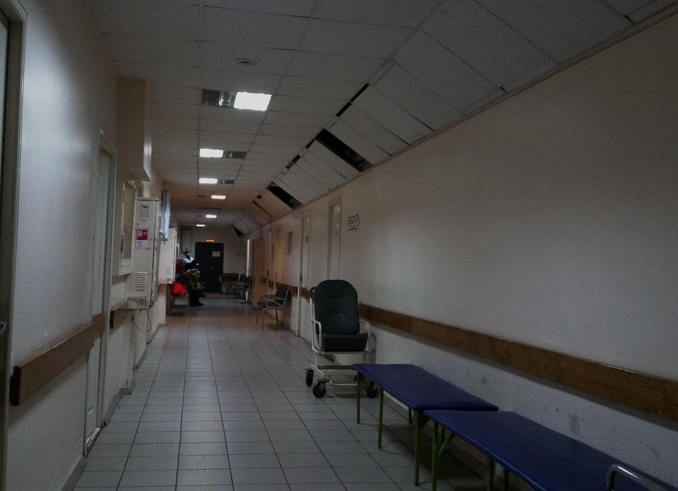 На лечении в больницах с COVID-19 и пневмониями находятся 894 курянина