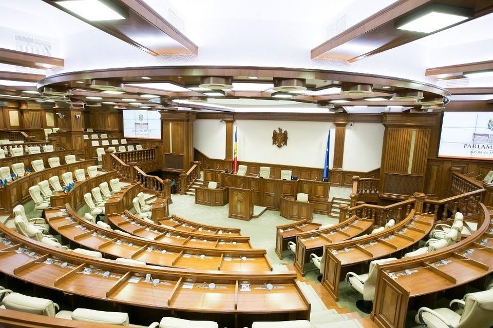 """Только три партии пройдут в парламент при досрочных парламентских выборах: ПДС, ПСРМ и партия """"Шор"""". Фото:соцсети"""