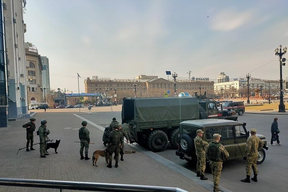 Из-за дождя в Хабаровске отменили репетицию парада Победы 28 апреля